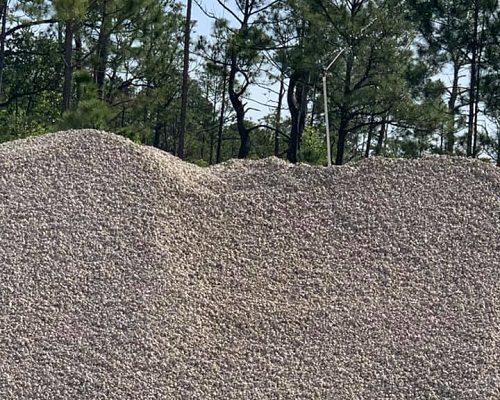 Mobile Concrete mound of gravel
